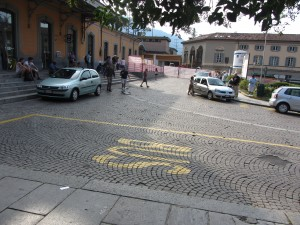 Waiting for the bus in Lecco