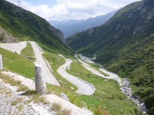 road down to Airolo